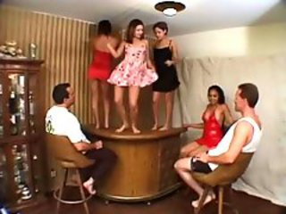Dancing Groupsex Latina Teen