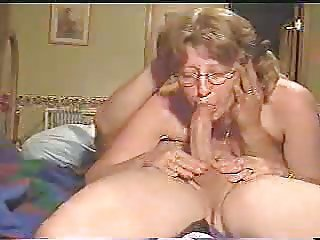 Fabulous Deep Throat By Mature Wife !
