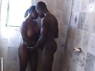 Amateur Big Tits Ebony Homemade Showers Wife