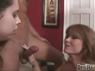 Daughter Handjob Mom Threesome