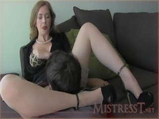 Clothed Licking MILF Mom Old and Young