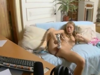 Masturbating Solo Teen Toy Webcam