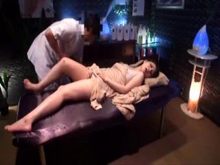"Erotic Oil Massage Sensitive Beauty"" target=""_blank"