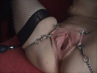 Spreaded wide open until she squirt