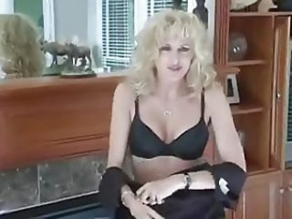 i want to feel your pussy mom