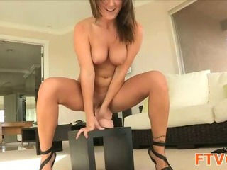 Amazing Dildo Masturbating Teen Toy