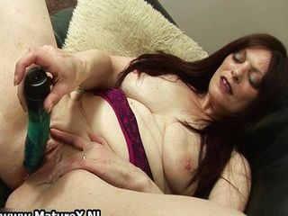 Dildo Masturbating Mature SaggyTits Toy