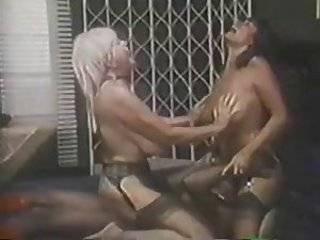 Big Tits Facesitting Licking MILF Stockings Threesome Vintage