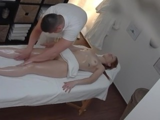 Homemade Massage Oiled Teen Voyeur