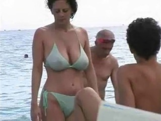 Beach Big Tits Bikini MILF Natural Outdoor Public Voyeur