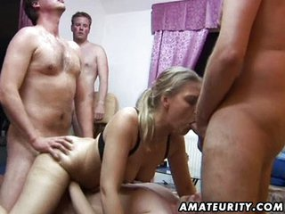 Amateur Group Sex: 2 Chicks And 4 Dicks !