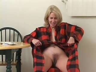 Hairy Lesbian Mature Mom Old and Young
