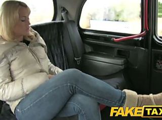 Amateur Amazing Car Jeans MILF