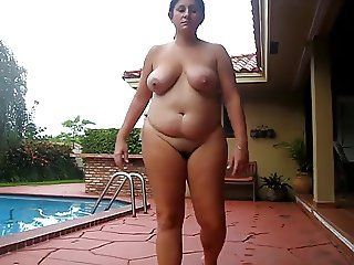 BBW MILF Natural Outdoor Pool SaggyTits