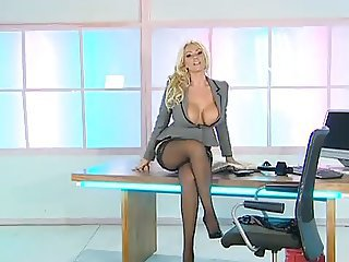 http%3A%2F%2Fxhamster.com%2Fmovies%2F2978303%2Flucy_zara_sexy_office_assistant.html