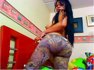 Latin Webcam 124