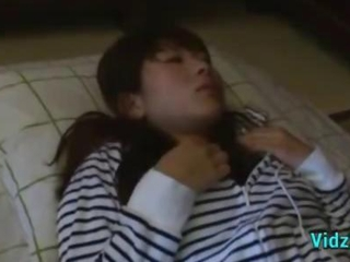 Asian Girl Getting Her Shaved Pussy Fingered While Sleeping Guy Cumming To Her Belly On The Mattress