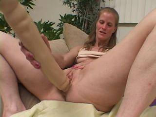 "Nerd Katie Catches Older Dawndi Dildoing And Helps"" class=""th-mov"
