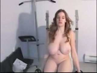 Amateur Big Tits Chubby Girlfriend Natural SaggyTits Sport