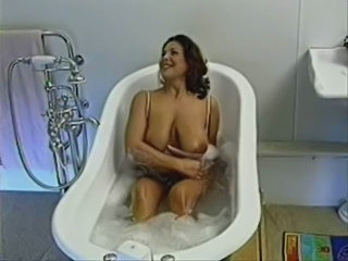 Bathroom Big Tits Mature Mom Natural SaggyTits