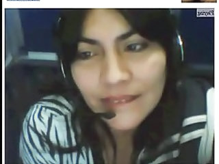Colombian Mature beauty on Webcam at Internet Cafe
