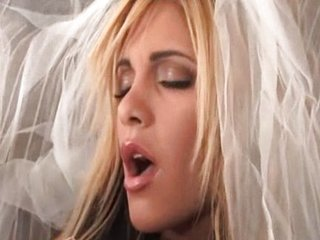 Amazing Bride MILF