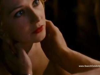 "Carice van Houten and Halina Reijn Zwartboek sex scene"" class=""th-mov"