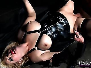 Hot Babe In Corset Eats Pussy And Gets Fucked Hard