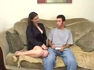 Amateur British Couple Homemade Reality first time sextape on Couch