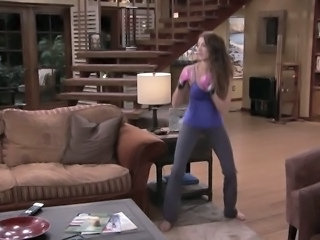 Noureen DeWulf - Anger Management s2 e45