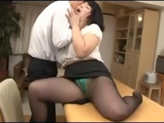 Tempting Mature Secretary In Mini Skirt Yukari Orihara 4