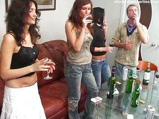 Amateur Betrunken Gruppensex Jeans Party Student Teen