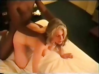 Hotwife takes her bull in hotel room
