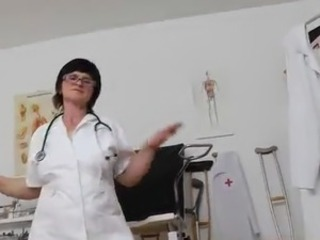 Old Nurse near Glasses presents How Sensuous She Is Using sex toy