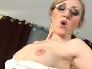 Kisser bonking and vaginal porn is what mature milfs do best