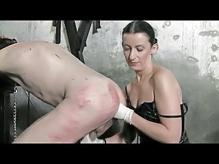 Maitresse Dominatrice Claudiacuir Fisting Slave Rick