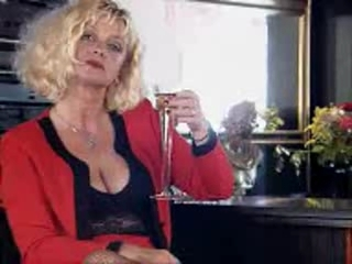 Yvonne, German Mature Likes Anal...