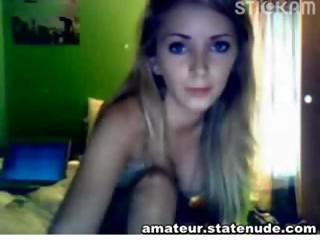 Blonde Cutie Is Having Fun With Her Webc...
