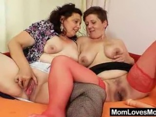 Chubby Lesbian Mature SaggyTits Toy