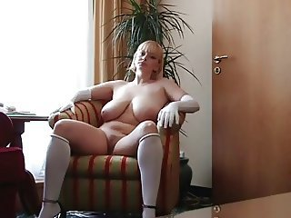 Amateur Big Tits Chubby MILF Natural Russian SaggyTits Solo